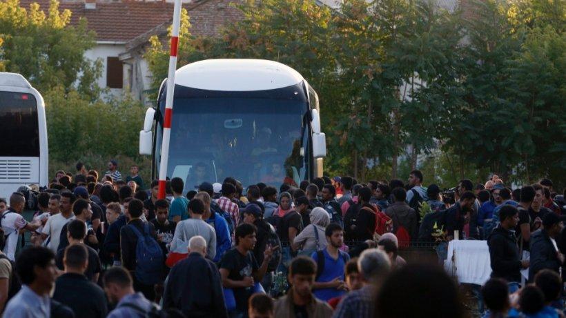 Criza imigranţilor. Peste 600 de persoane au sosit în Slovenia