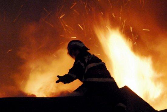 Incendiu puternic într-un oraş din Germania. 12 muncitori bulgari şi polonezi au fost răniţi