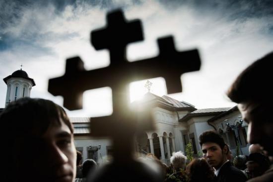 Un preot a fost condamnat la închisoare pentru că a delapidat Arhiepiscopia Tomisului