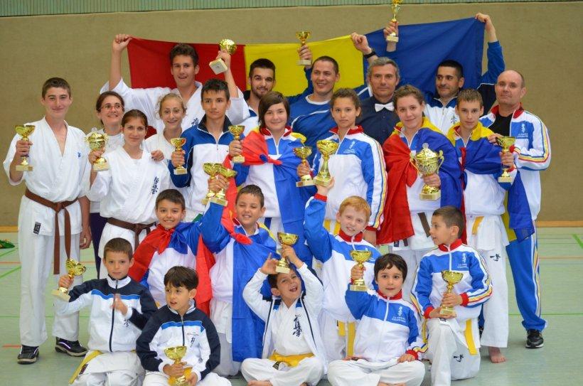 România, 78 de medalii la Mondialele Unificate de Karate