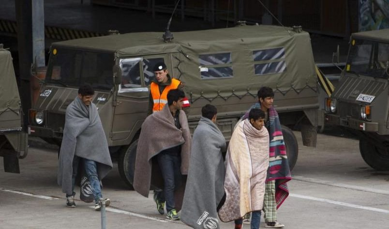 Slovenia mobilizează din nou tancurile la graniţă