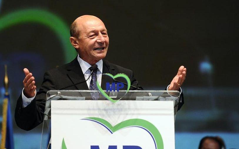 Băsescu îşi vrea partidul la guvernare