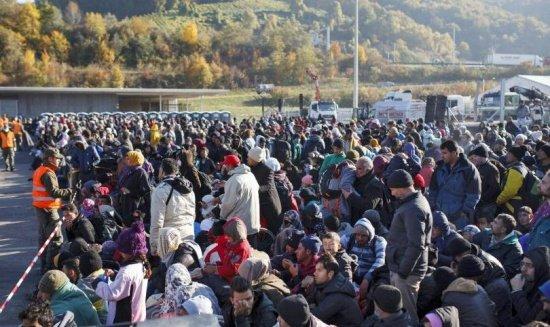 Germania şi Austria oferă asistenţă Sloveniei, pe fondul afluxului de imigranţi