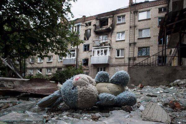 Kievul a finalizat retragerea armelor de pe frontul estic