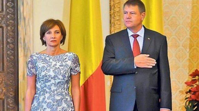 Udrea vrea să ştie câte rochii şi-a cumpărat Carmen Iohannis