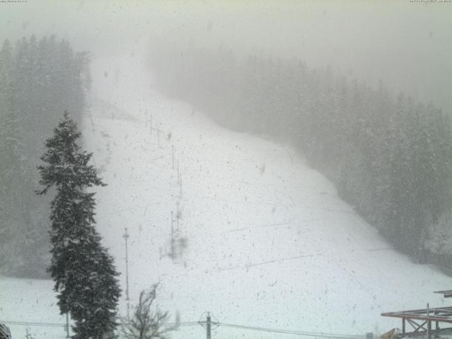 Unde ninge, acum, în România! Vezi imagini live