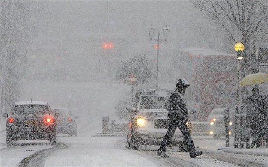 Iarna îşi intră în drepturi. Cod galben de ploi şi ninsori, în centrul, sud-vestul şi nord-estul ţării
