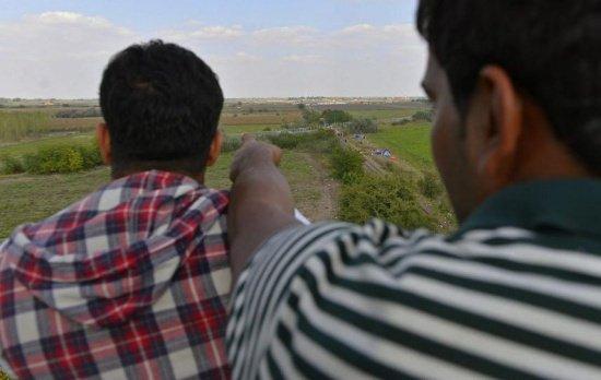 Cinci cetăţeni somalezi au fost prinşi de poliţiştii de frontieră din Botoşani în timp ce încercau să intre ilegal în România