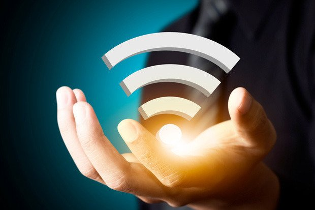 Franța vrea să interzică accesul gratuit la rețelele wireless