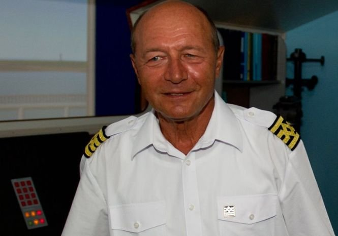 Băsescu: Iohannis nu trebuie să abdice
