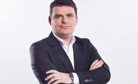 Ministrul de Finanţe: Românii ar trebui să muncească pe doi lei. Ce îi răspunde Radu Tudor