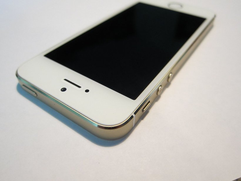 Acum opt ani, lumea credea că iPhone-ul e o idee proastă. Cele mai tari reacții!