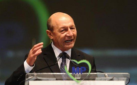 Traian Băsescu: Delegarea lui Cioloș la Consiliul European este inoportună