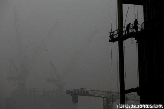 Toate școlile au fost închise. Este cod roșu de poluare în Beijing