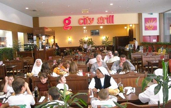 Un lanț celebru de restaurante a închis două localuri în Centrul Vechi. Pagubă uriașă