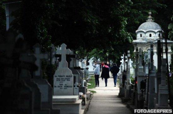 """""""Nu mai avem unde să ne îngropăm morții!"""" Situație dramatică într-un oraș din România"""