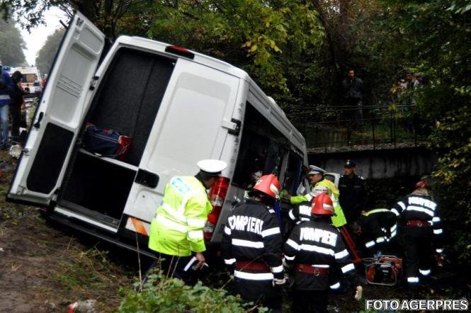 Accident grav la Constanţa. Un microbuz care transporta călători a rămas fără frâne