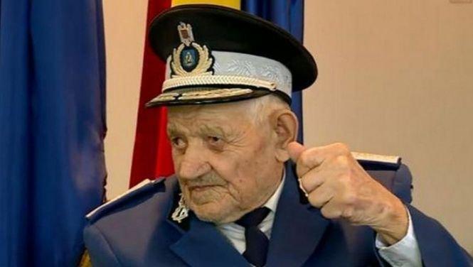 Cel mai în vârstă jandarm din România se apropie de 105 ani