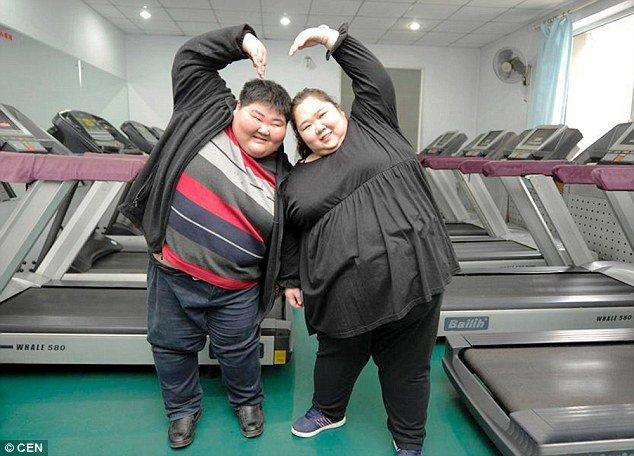 Povestea cuplului care cântărește 395 de kilograme. De ce s-au hotărât cei doi iubiti acum să slabească