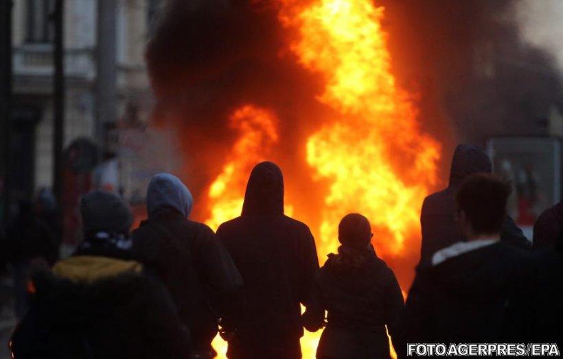 Proteste violente în Germania. Zeci de polițiști au fost răniți
