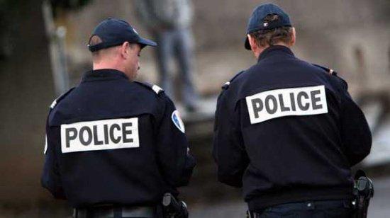 Răsturnare de situație în cazul educatorului înjunghiat la Paris. Atacul a fost inventat!