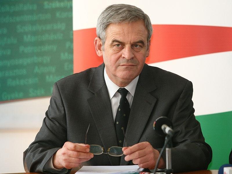 Gest scandalos la adresa românilor făcut de europarlamentarul Tokes Laszlo