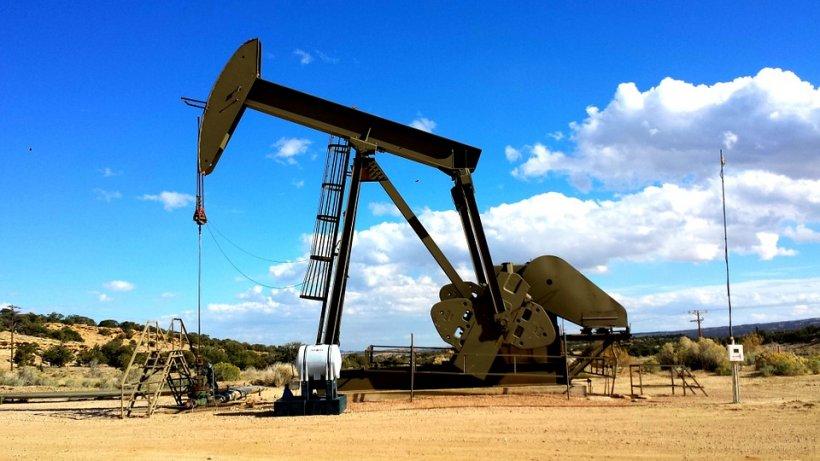 Prețul petrolului, la un minim istoric pentru ultimii șase ani