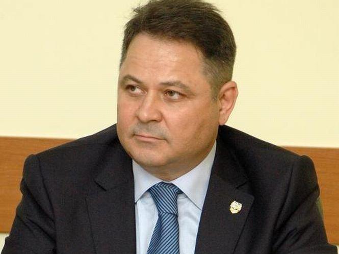 Un senator UNPR condamnat alături de restul familiei la închisoare cu suspendare