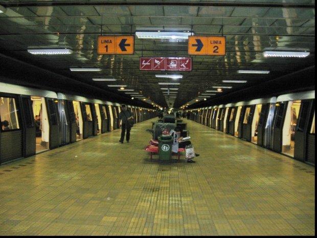 Metrouri blocate la Dristor. Ce a cauzat blocajul