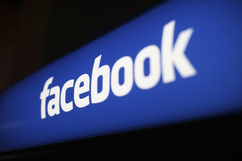 UE ar putea să interzică adolescenților să folosească Facebook