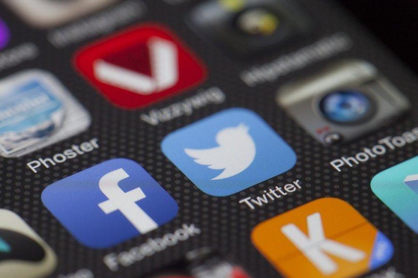 SUA folosesc Facebook și Twitter pentru a se informa despre potențialii imigranți