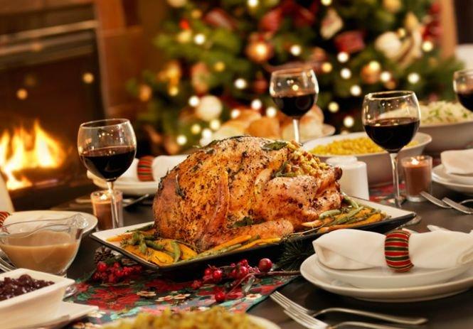 """Cum trebuie să arate masa de sărbători, ca să nu """"câştigi"""" kilograme în plus"""