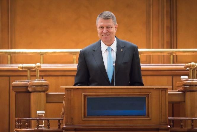 Președintele Klaus Iohannis retrimite în Parlament legea dării în plată