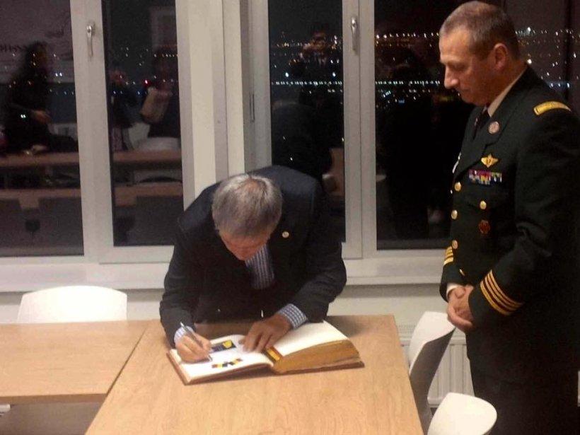Premierul Cioloș, vizită la răniţii Colectiv din Belgia: Este responsabilitatea noastră să-i susţinem
