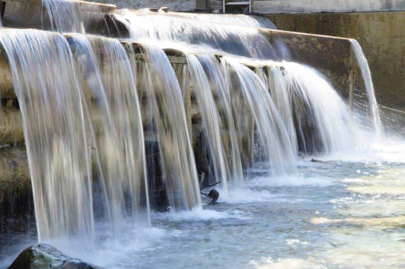 Pagube de miliarde de dolari, după ruperea unui baraj