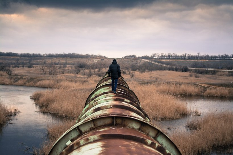 Angajaţii unei companii petroliere din SUA primesc prime de 100.000 de dolari. Fiecare