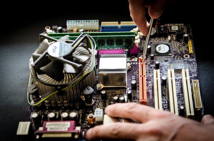 Pierderi record și concedieri la un gigant de electronice şi IT