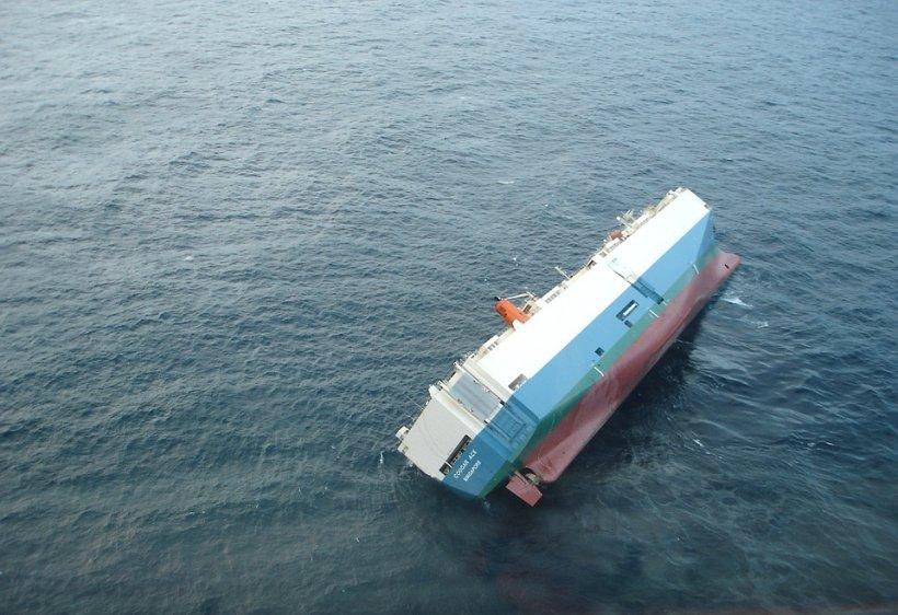 Unsprezece imigranți, printre care și copii, morți după naufragiul unei ambarcațiuni
