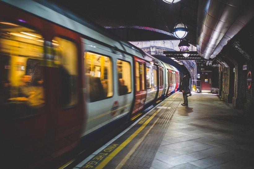 """""""Uneori, lucruri rele li se întâmplă şi oamenilor buni"""", misterul unui bileţel de Crăciun abandonat într-un tren"""