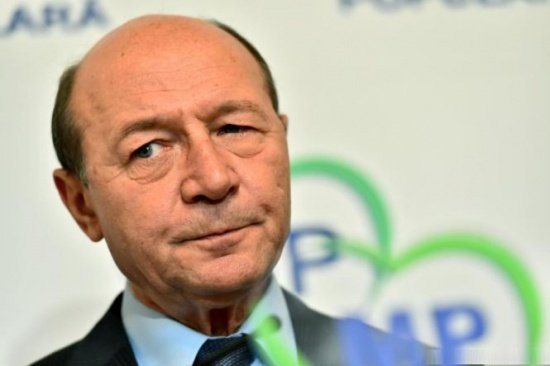 Ce a postat Băsescu pe Facebook în Ajunul Crăciunului