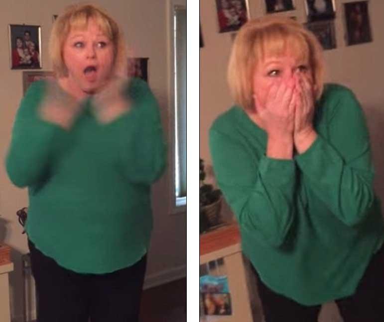 Reactia acestei femei cand si-a vazut cadoul sub bradul de Craciun! Ce surpriza i-a facut fiul ei