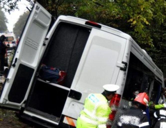 Accident grav pe o autostradă din nordul Italiei. Doi români au fost răniți