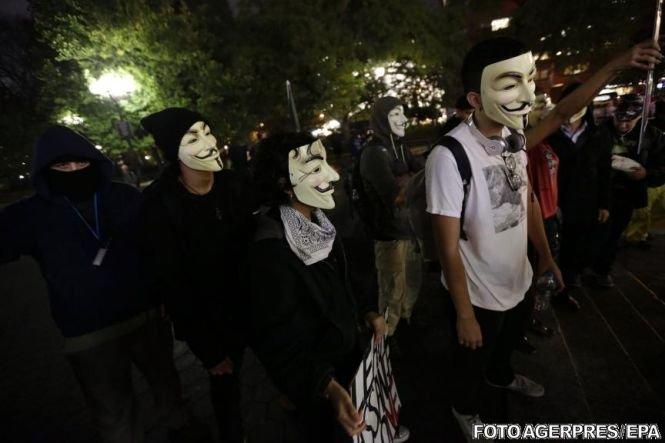 Hackerii Anonymous susţin că au reuşit să împiedice un atentat al Statului Islamic