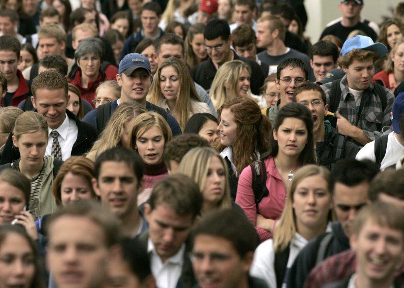 Câţi români primesc salariul minim pe economie