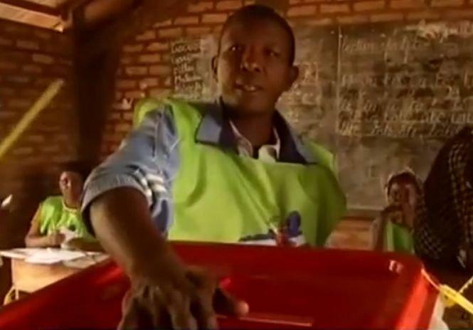 Un fost student al Universităţii Politehnice din Iaşi ar putea să devină preşedintele Republicii Centrafricane