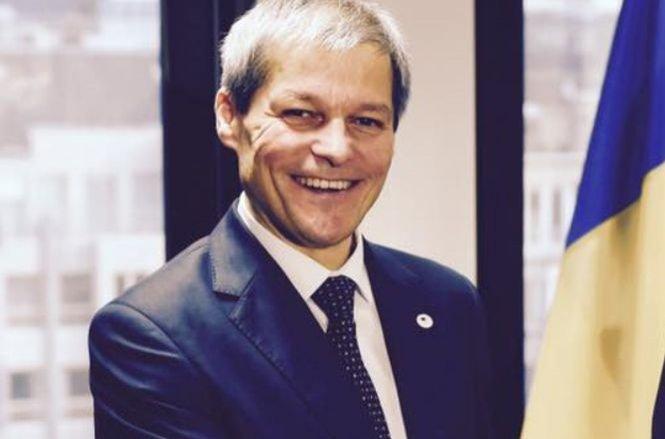 Dacian Cioloș, mesaj pe Facebook: Un 2016 bun și frumos!