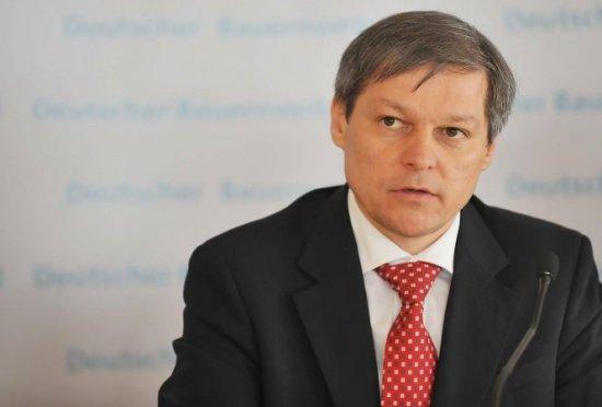 Ce le-a spus Dacian Cioloș românilor din Berlin despre votul prin corespondență