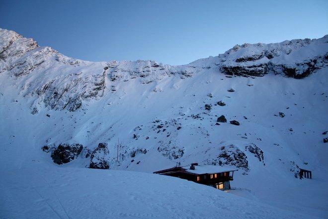 Zăpadă de peste 80 de centimetri și risc de avalanșă la Bâlea Lac