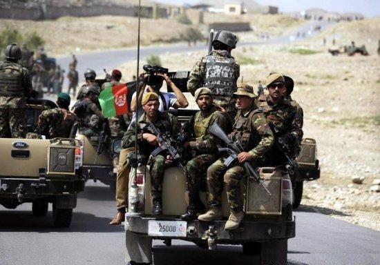 Atac sinucigaş la Consulatul pakistanez din Afganistan. 12 persoane au fost ucise