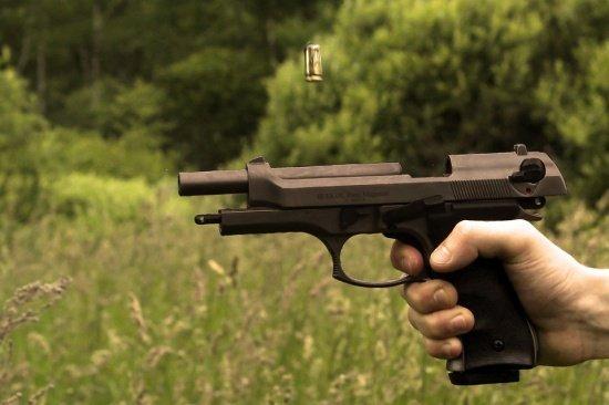 Tragedie în SUA. Fată de 12 ani, împuşcată mortal după ce tatăl ei a ameninţat cu arma un poliţist